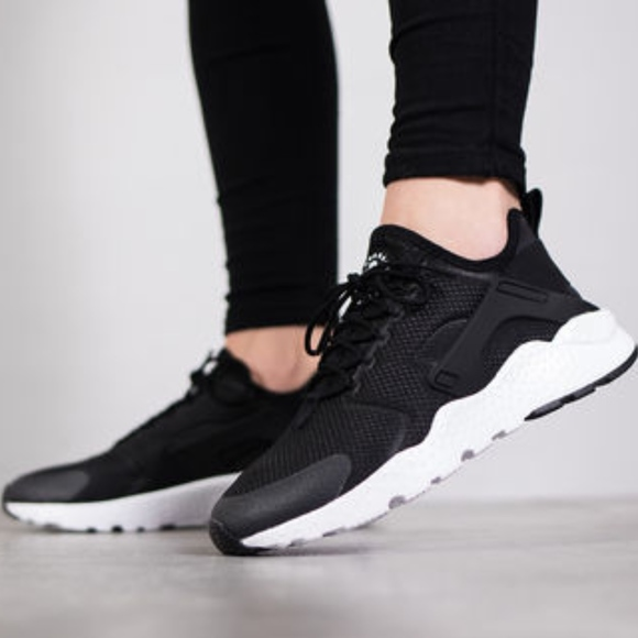 NEW Air Huarache Run Ultra Nike Women's Sneaker NWT